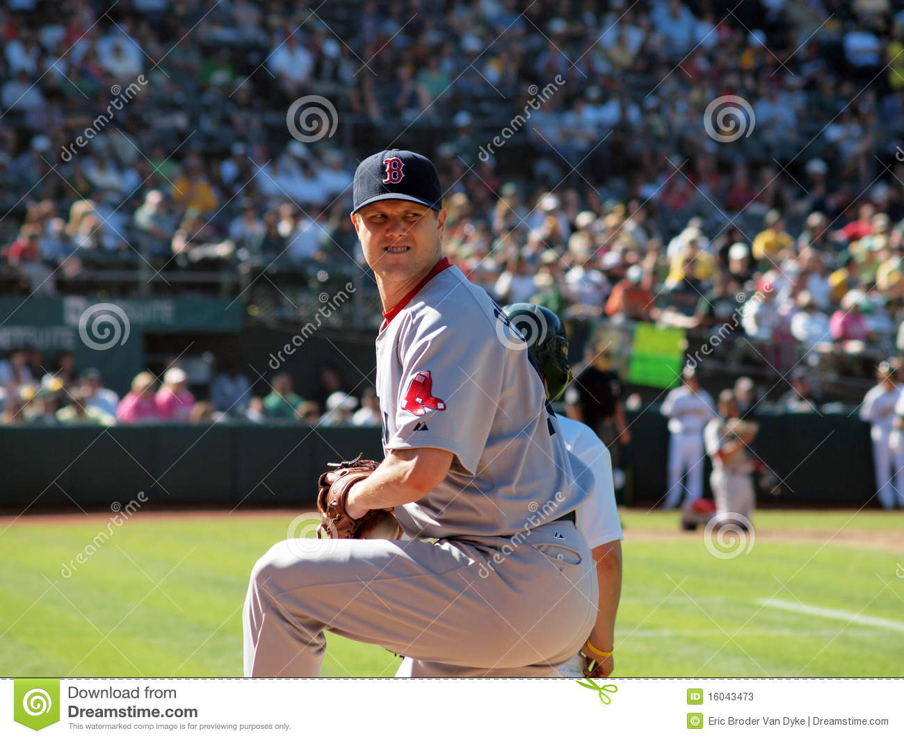 Closer Jonathan Papelbon warms up in bullpen
