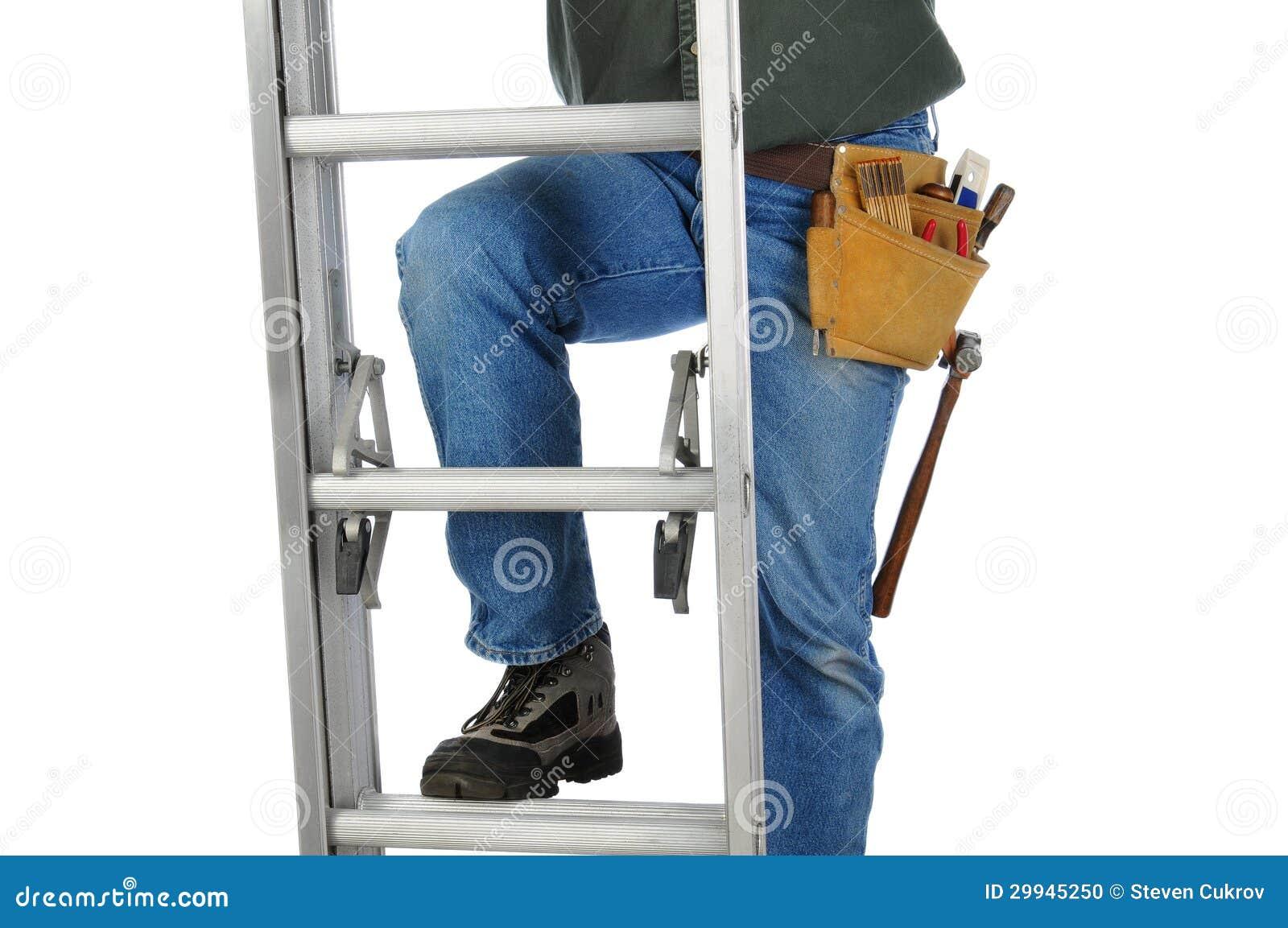 Byggnadsarbetare på stege
