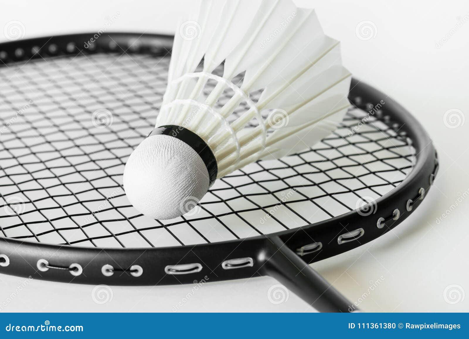 Closeup av fjäderbollen och racket