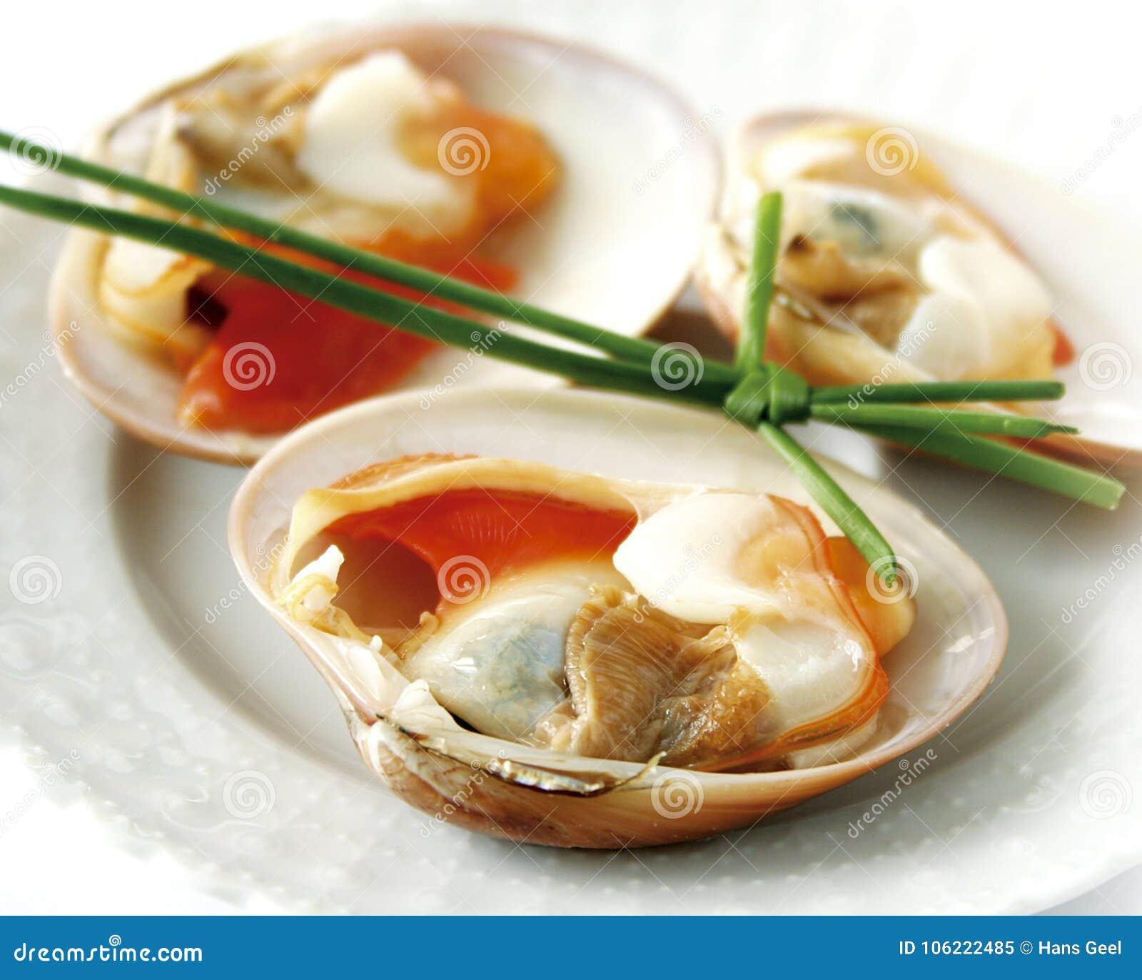 Closeup av nya rå musslor