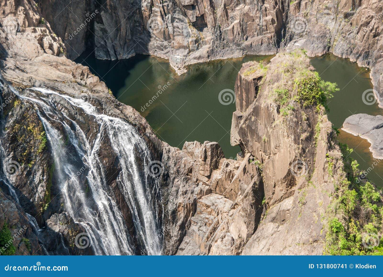 Closeup Barron Falls i Barron Gorge National Park, Kuranda Australien