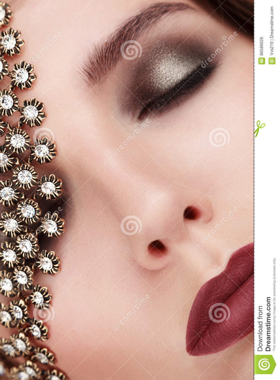 Closeup beauty portrait of young woman with jewelry Add noise
