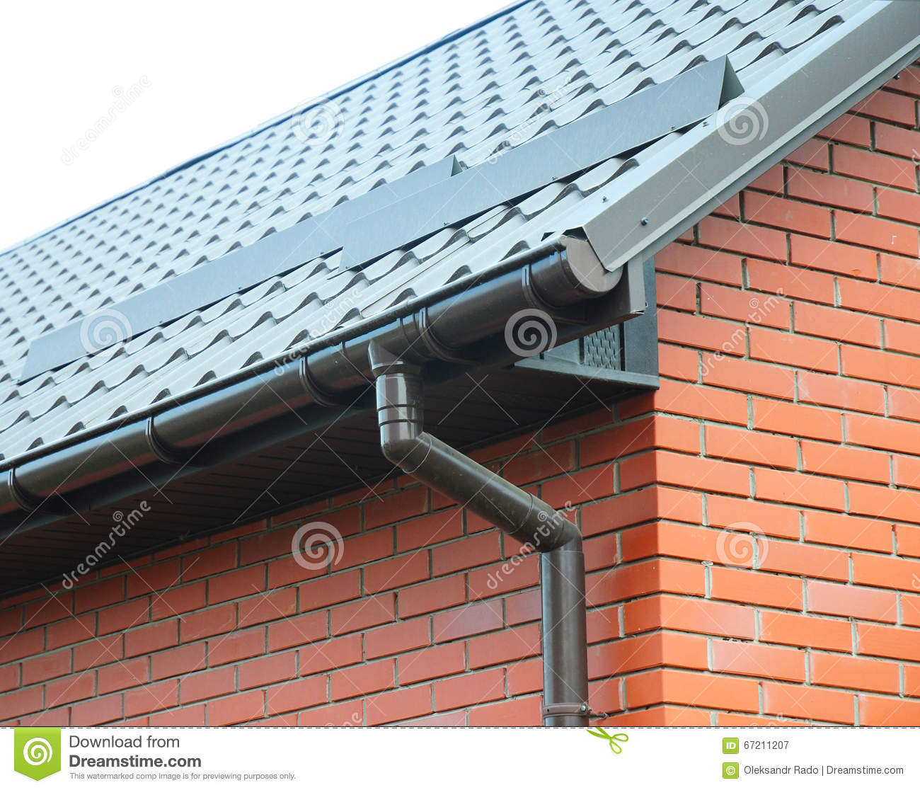 Roof rain rain gutters provide a number of benefits for New gutters