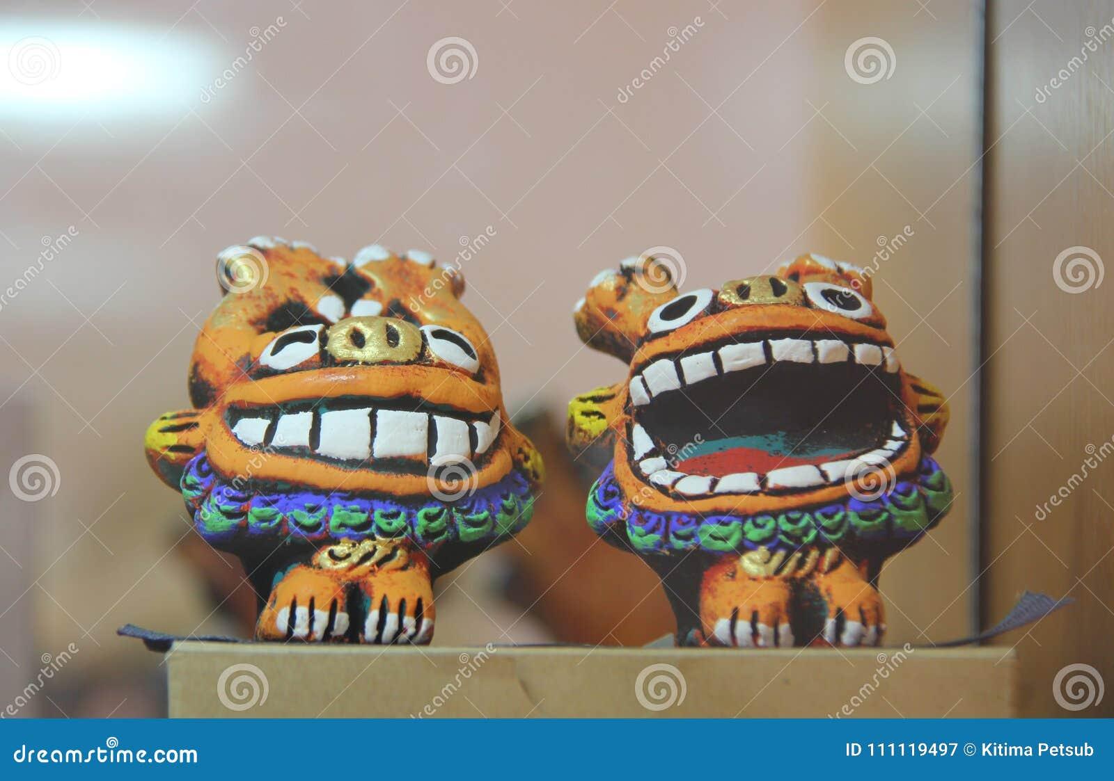 The guardian Shisa lion dogs , Okinawa, Japan