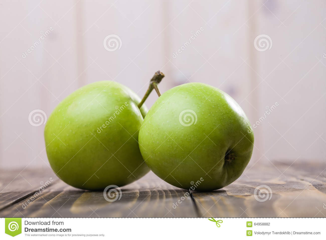 Closeup photo of pair apples