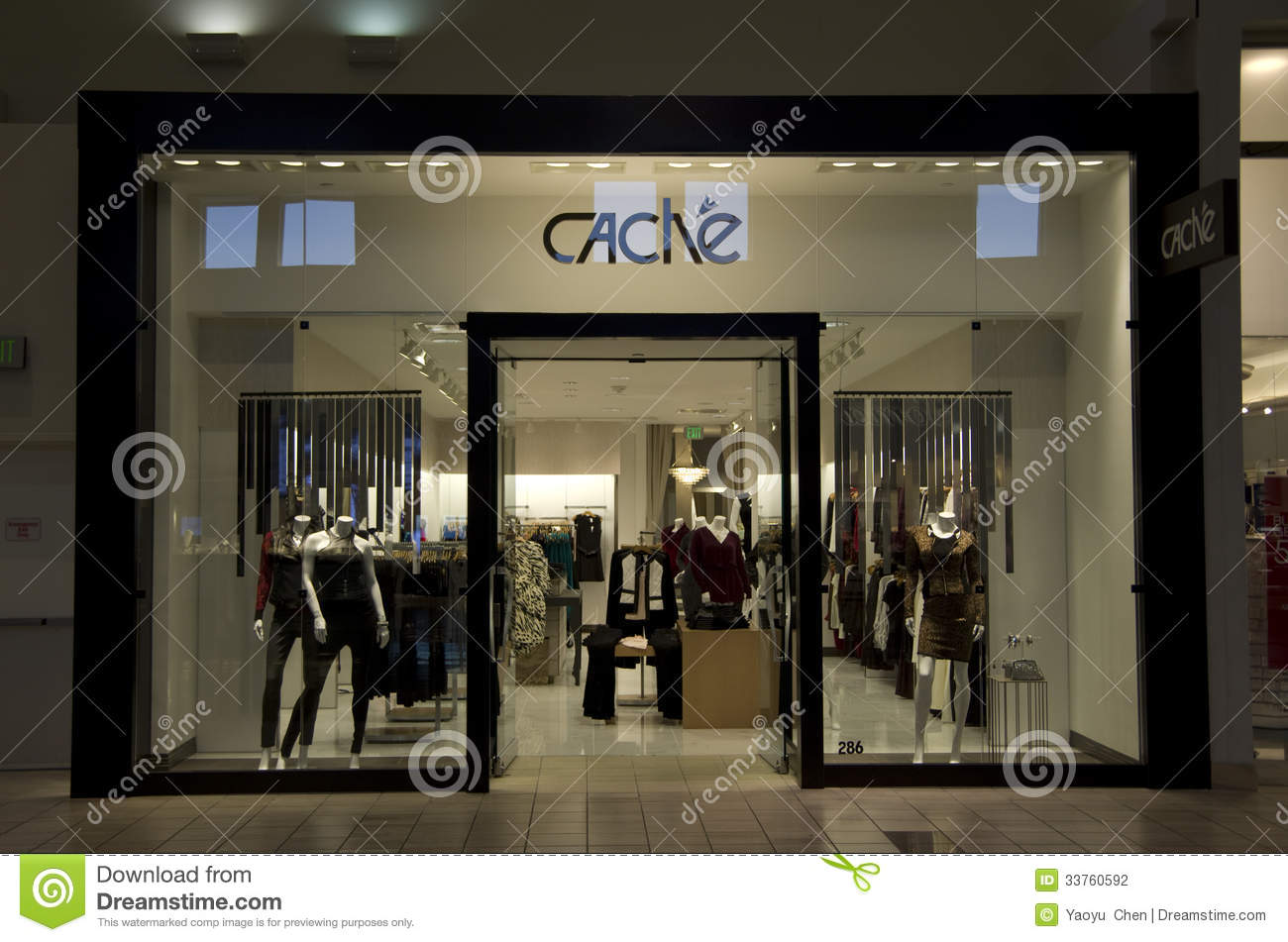 Travel clothing stores seattle