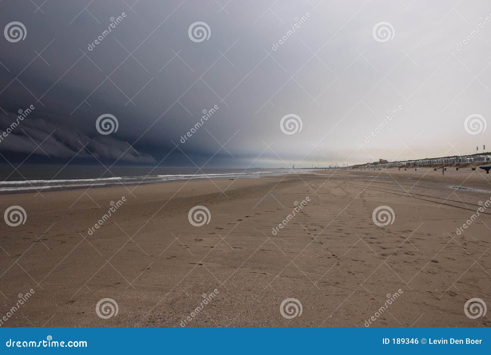 Cloud ciemności beach