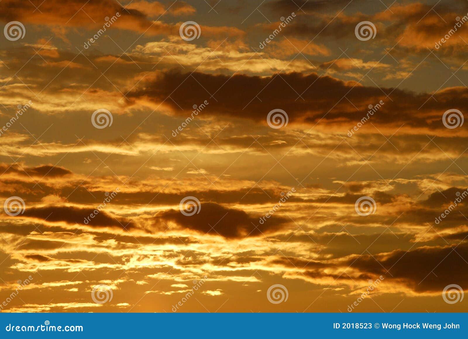 Cloudds ηλιοβασίλεμα