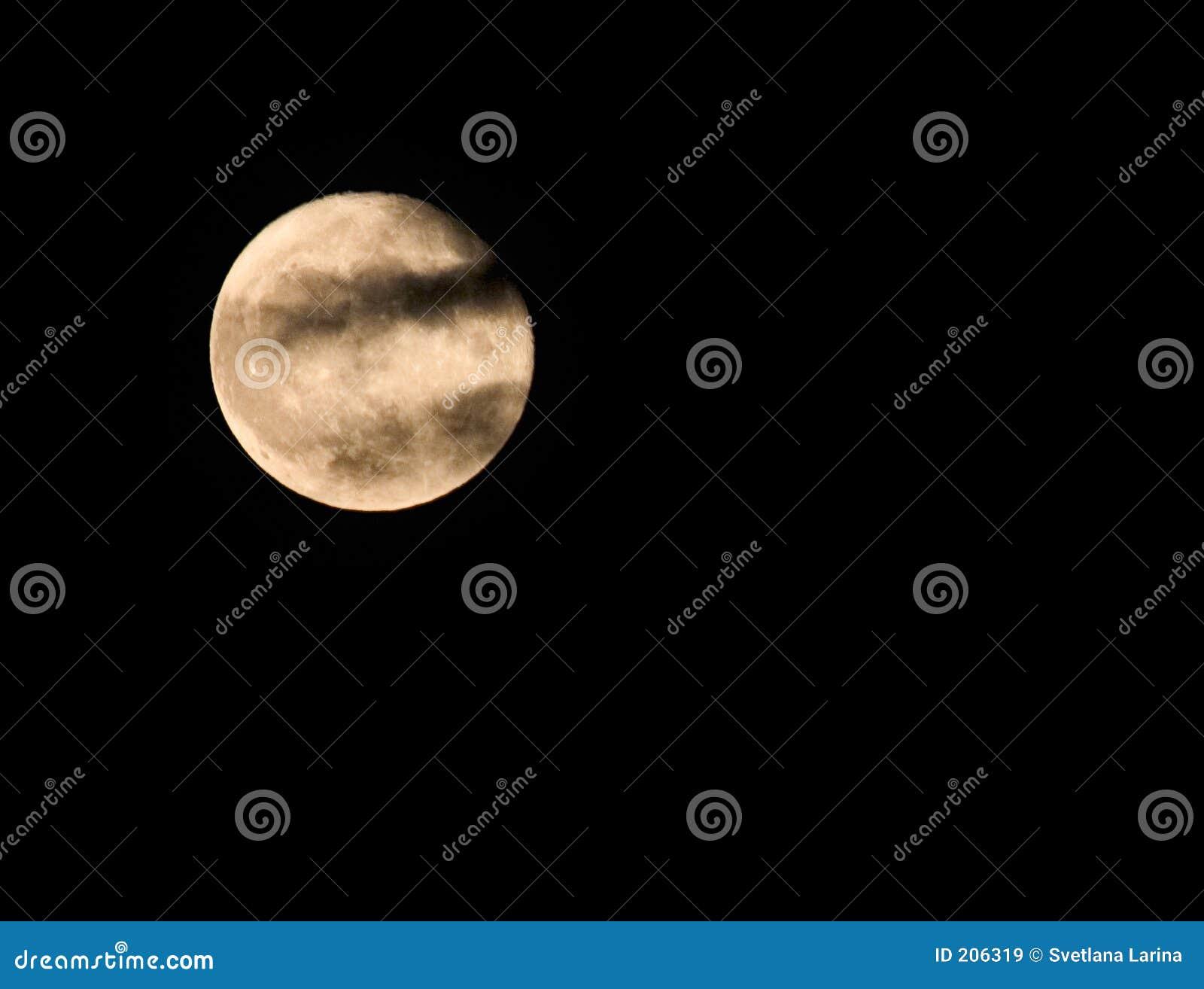 Clouds fullmånen