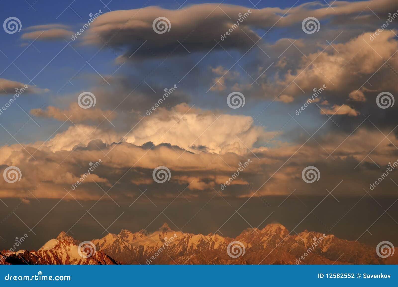 Cloudscape βαλμένα σε στρώσεις πα&rho
