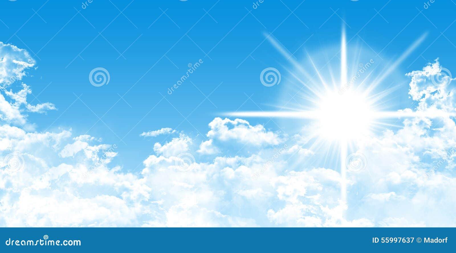 Cloudscape с солнечностью и голубым раем