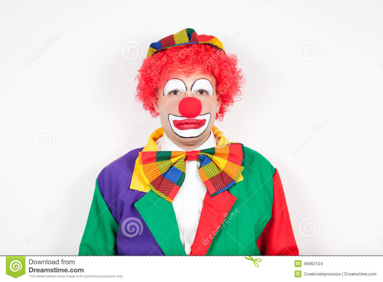 Clown avec le visage neutre