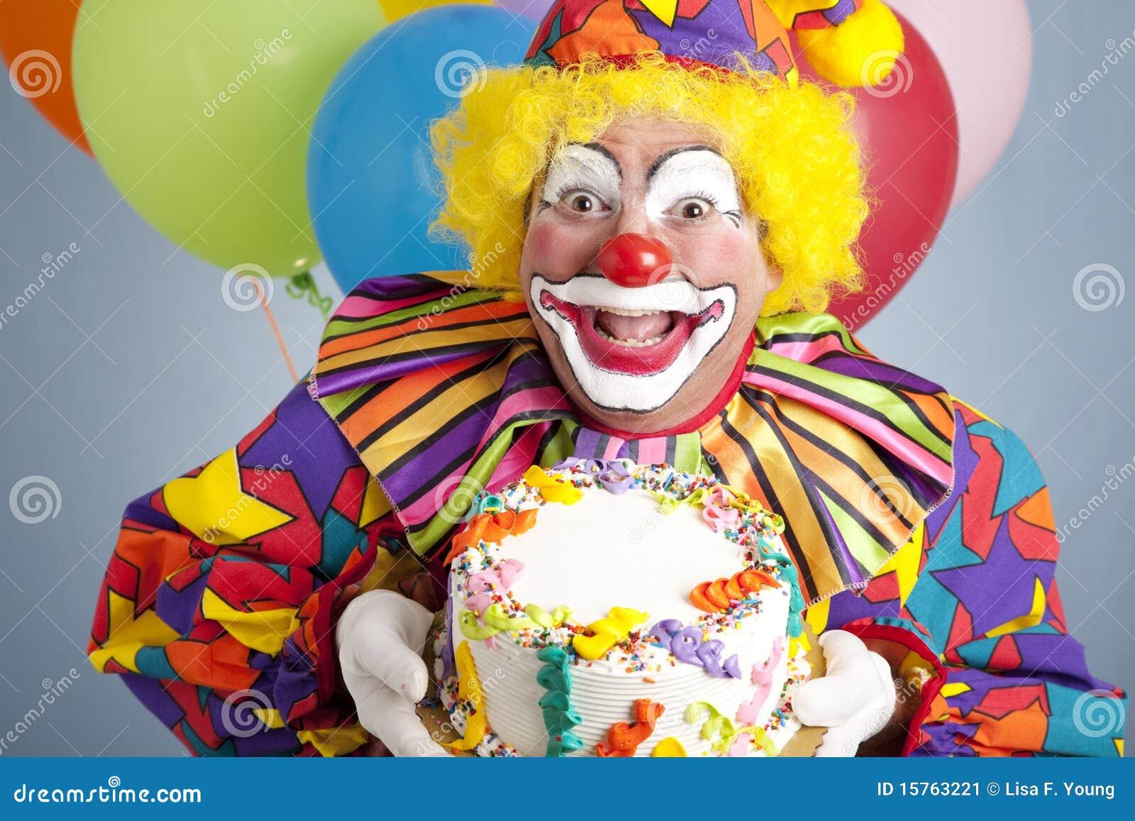 clown d 39 anniversaire avec le g teau blanc image stock image 15763221. Black Bedroom Furniture Sets. Home Design Ideas