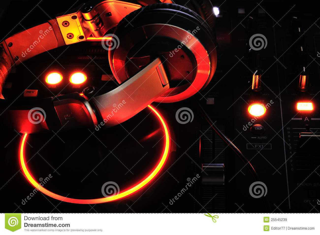 how to connect headphones to dj system
