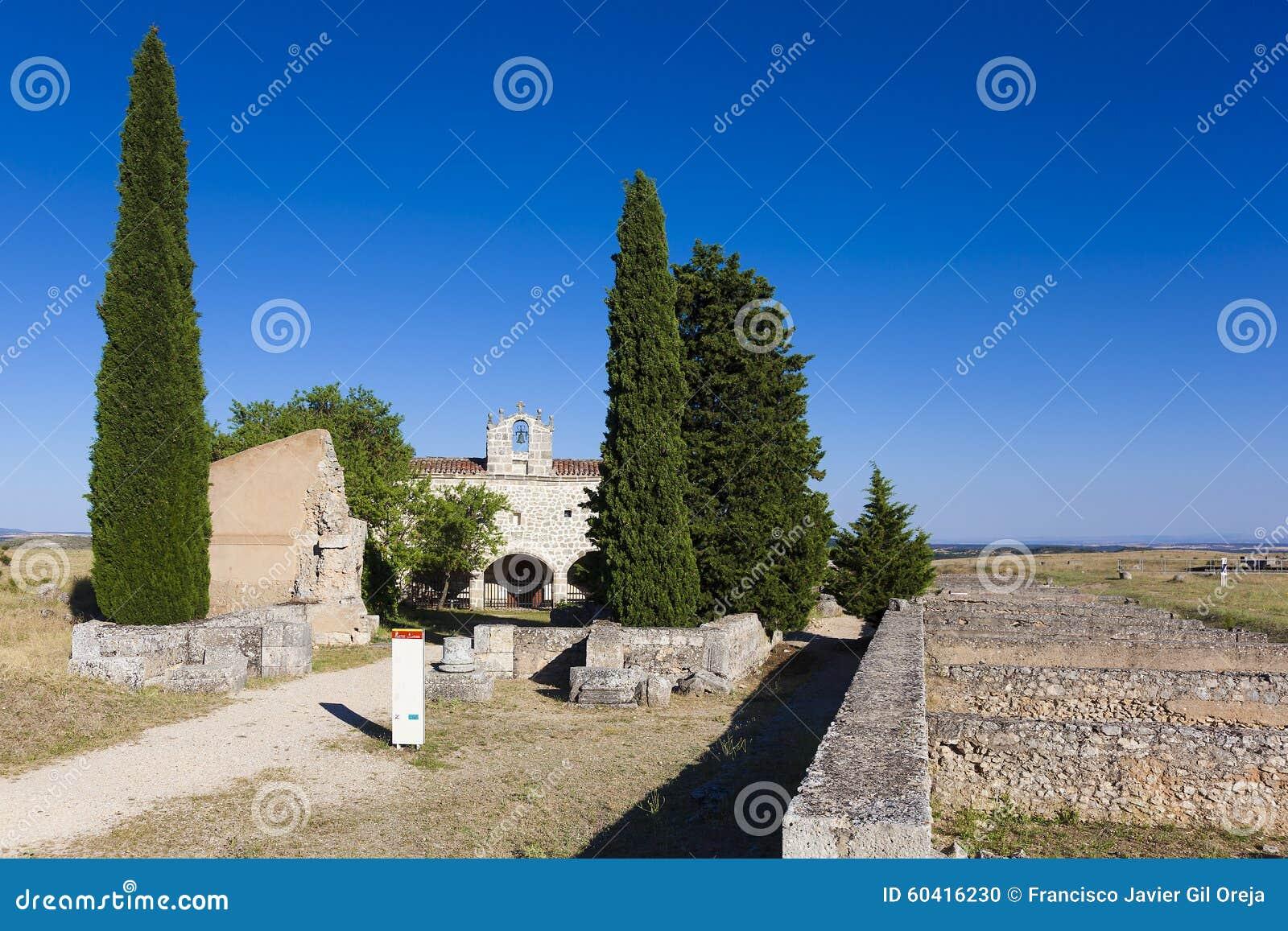 Clunia废墟和教堂
