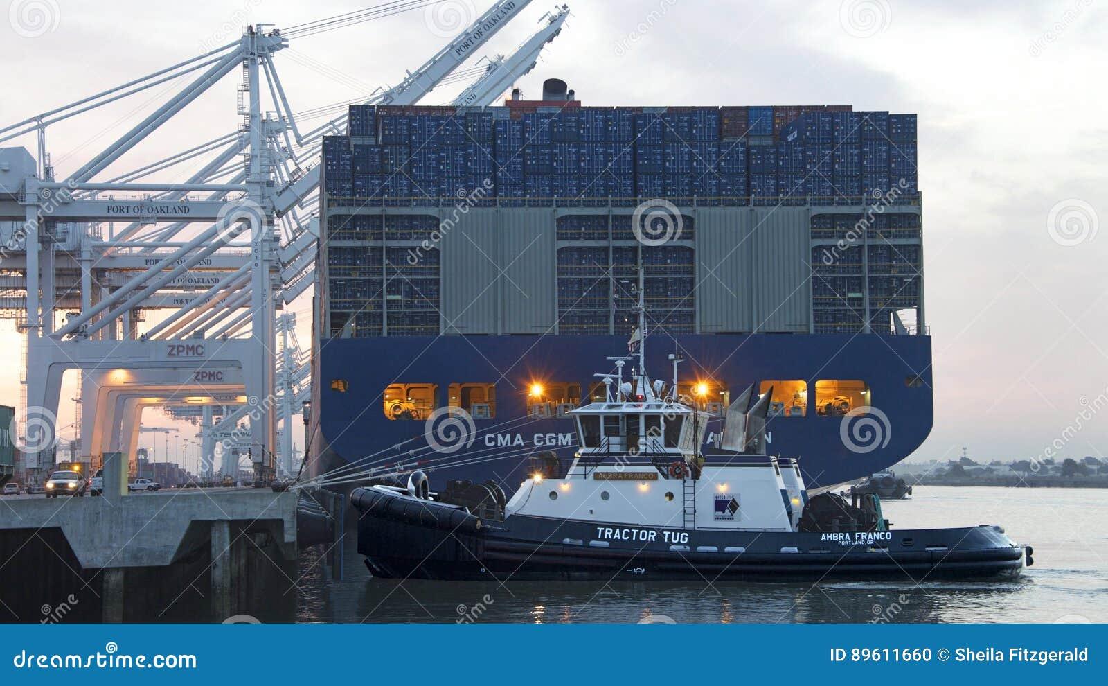 CMA CMG BENJAMIN FRANKLIN se préparant au départ au port