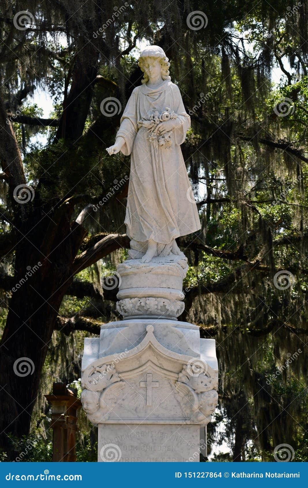 Cmentarniany Headstone przy sawanny Gruzja historycznym cmentarzem