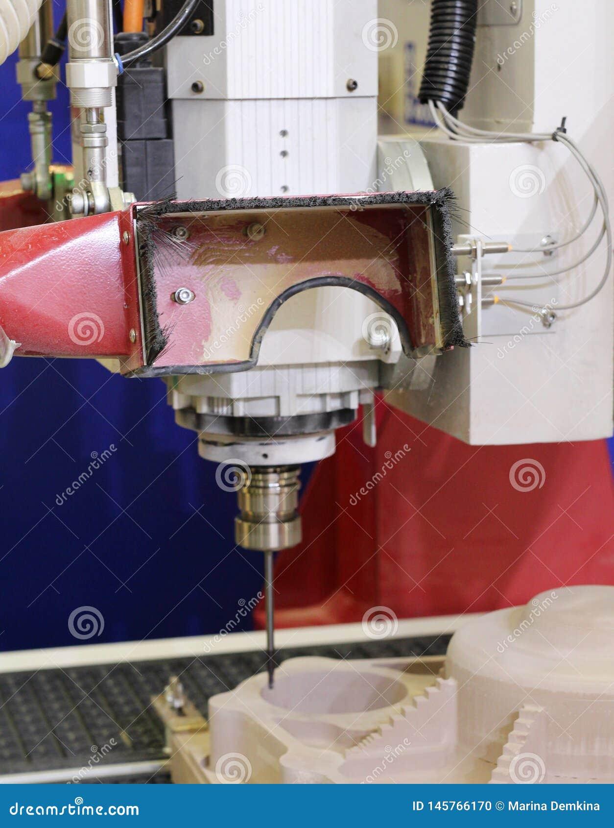Cnc-malningmaskin Malning och gravyr bearbetar med maskin