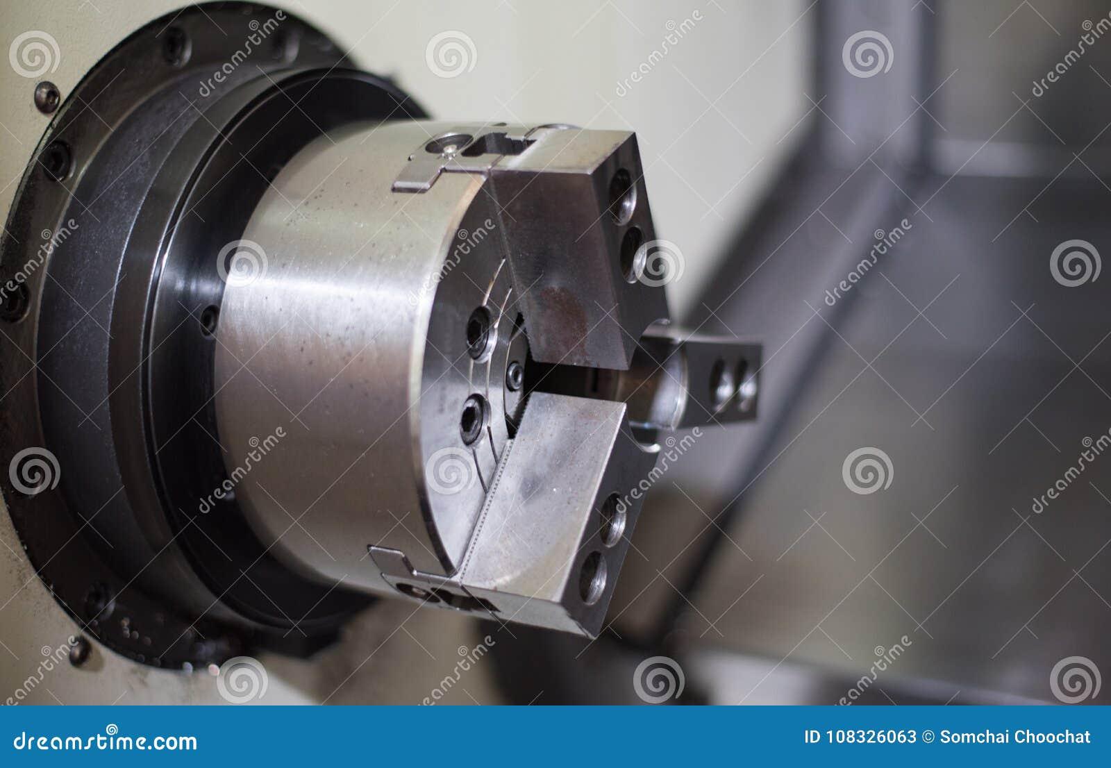 CNC tokarka w procesie produkcyjnym