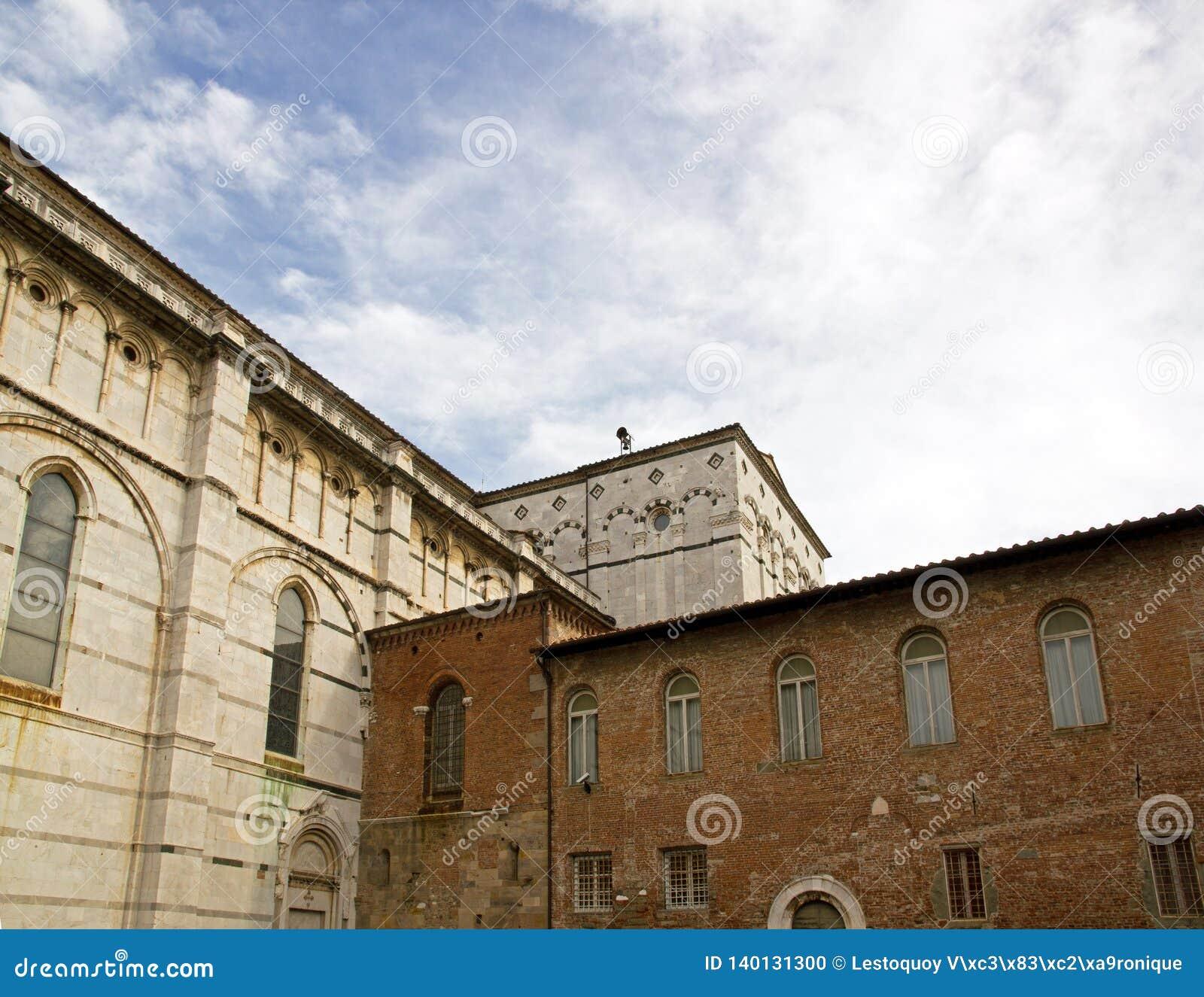 Собор Сен-Мартен de Lucques Лукка Тоскана Италия