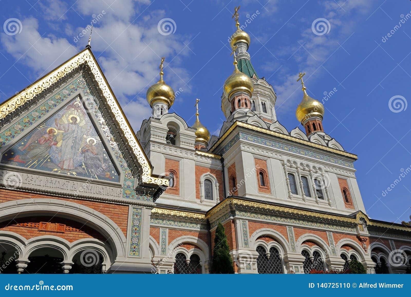 Собор St Nicholas, Вены, со своими луками башни золота