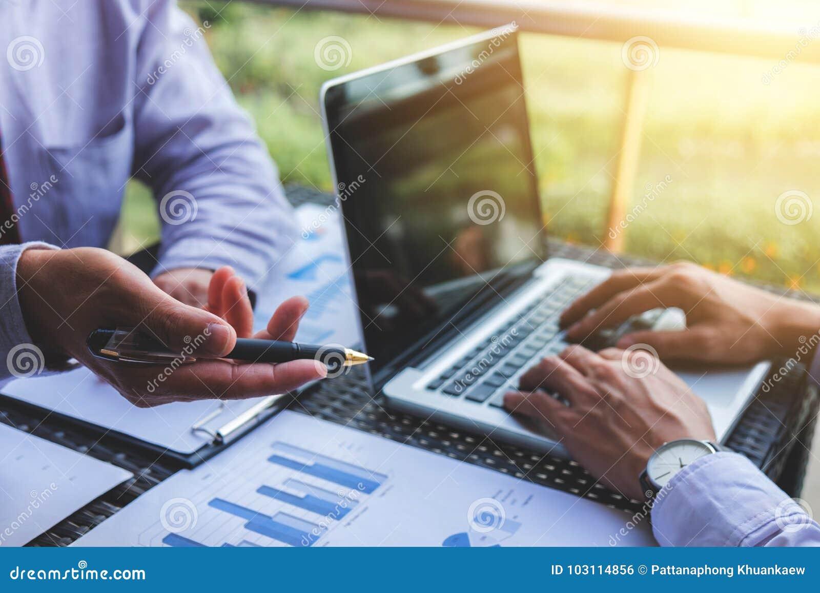 Co pracująca konferencja, biznesu spotkania drużynowa teraźniejszość, inwestor e