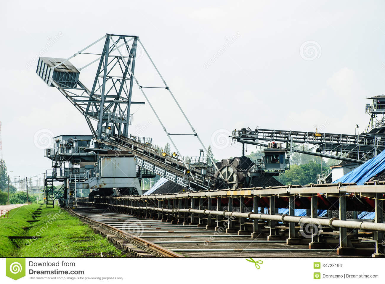 Coal Stock Pile Stock Images Image 34723194