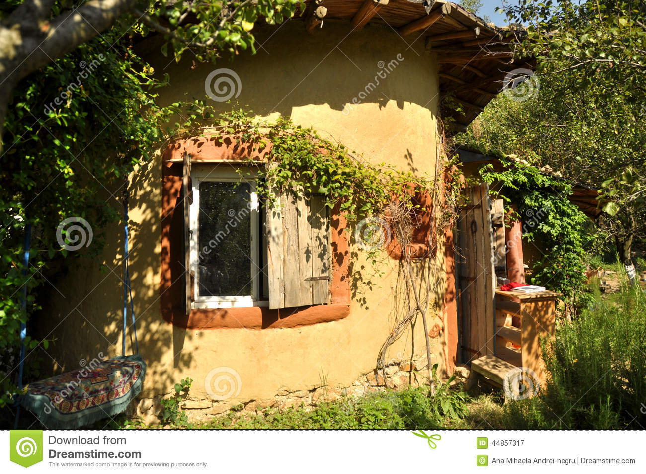 Cob house stock image image of harmonious closeup green 44857317 - The cob house the beauty of simplicity ...
