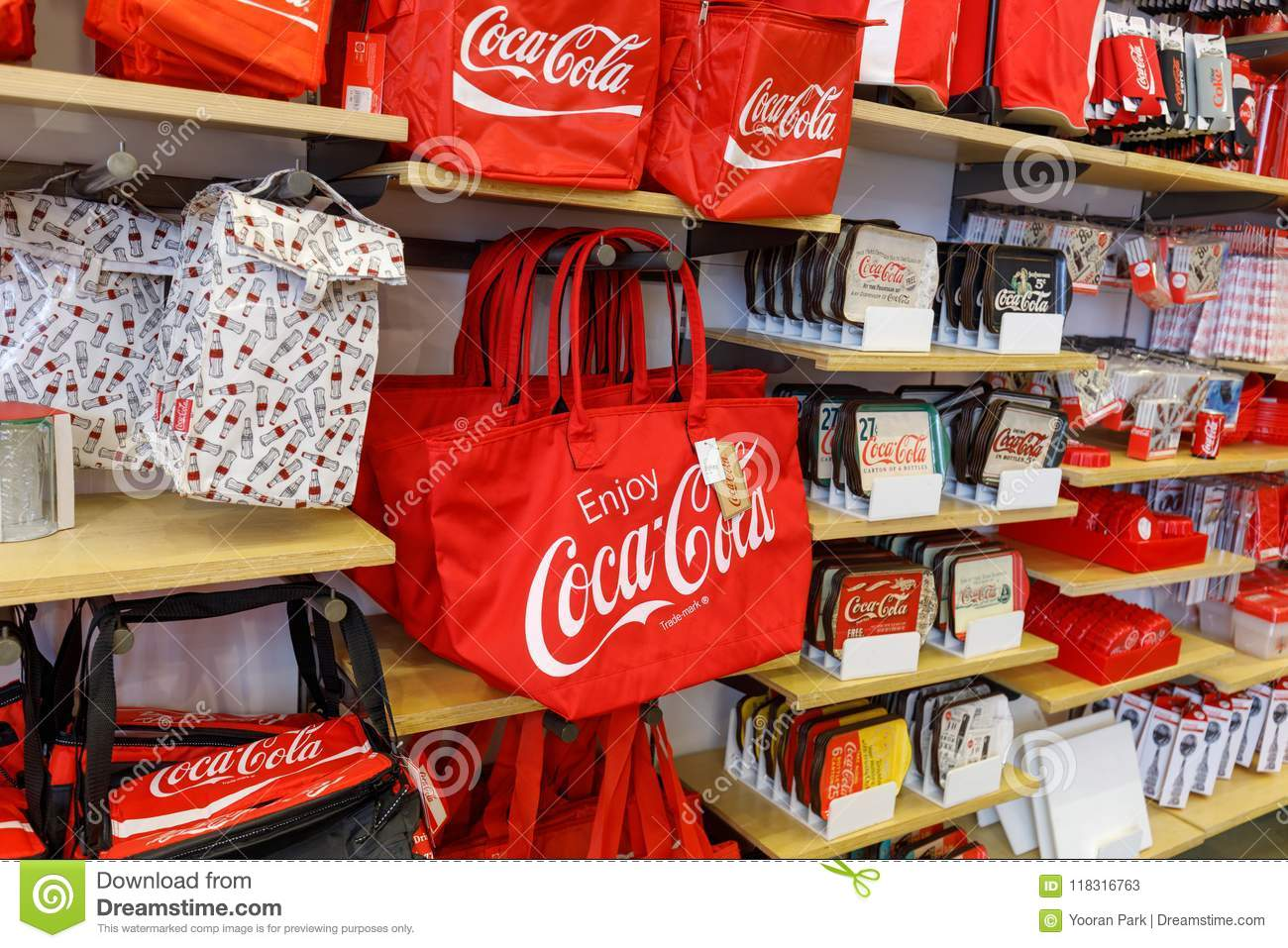 Coca Cola Gifts >> Coca Cola Store In Las Vegas Strip Editorial Stock Photo Image Of