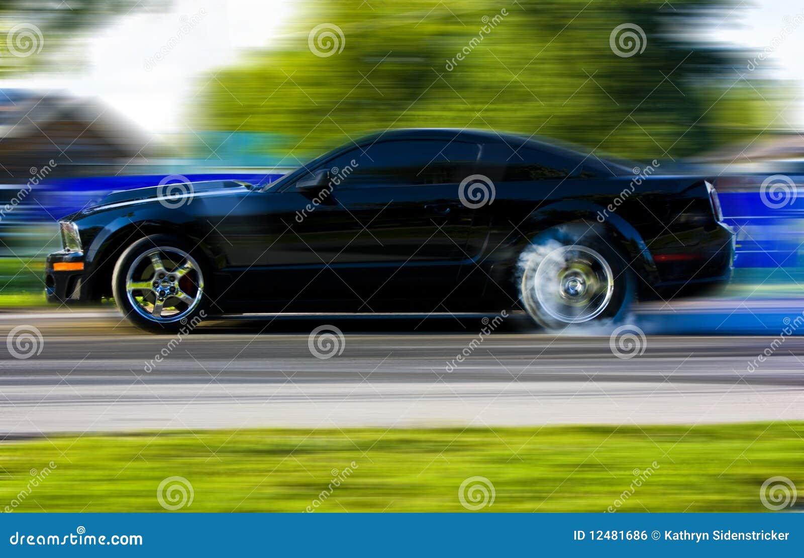 Coche de carreras 2009 del mustango de Ford