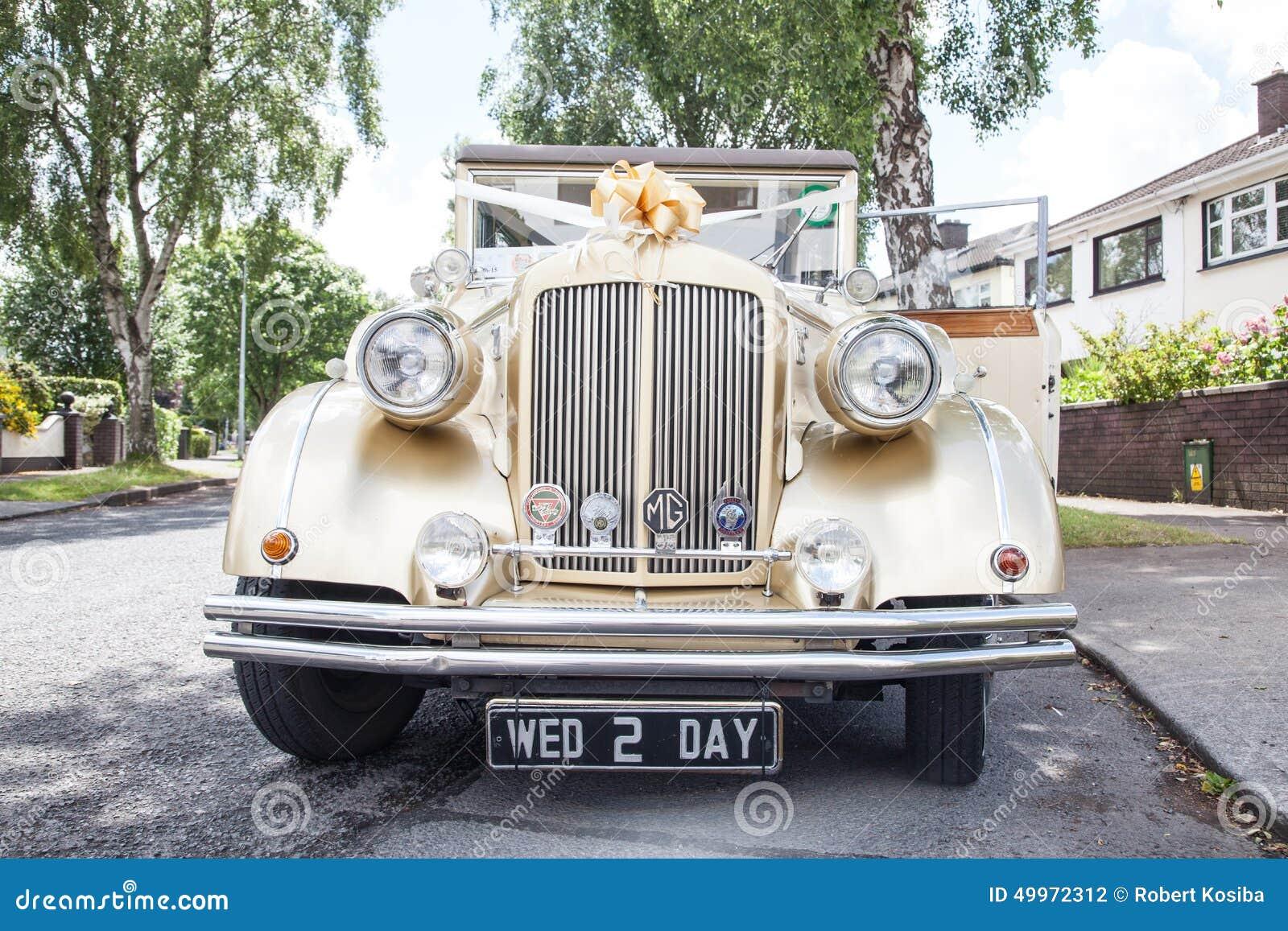 Coche de la boda del vintage