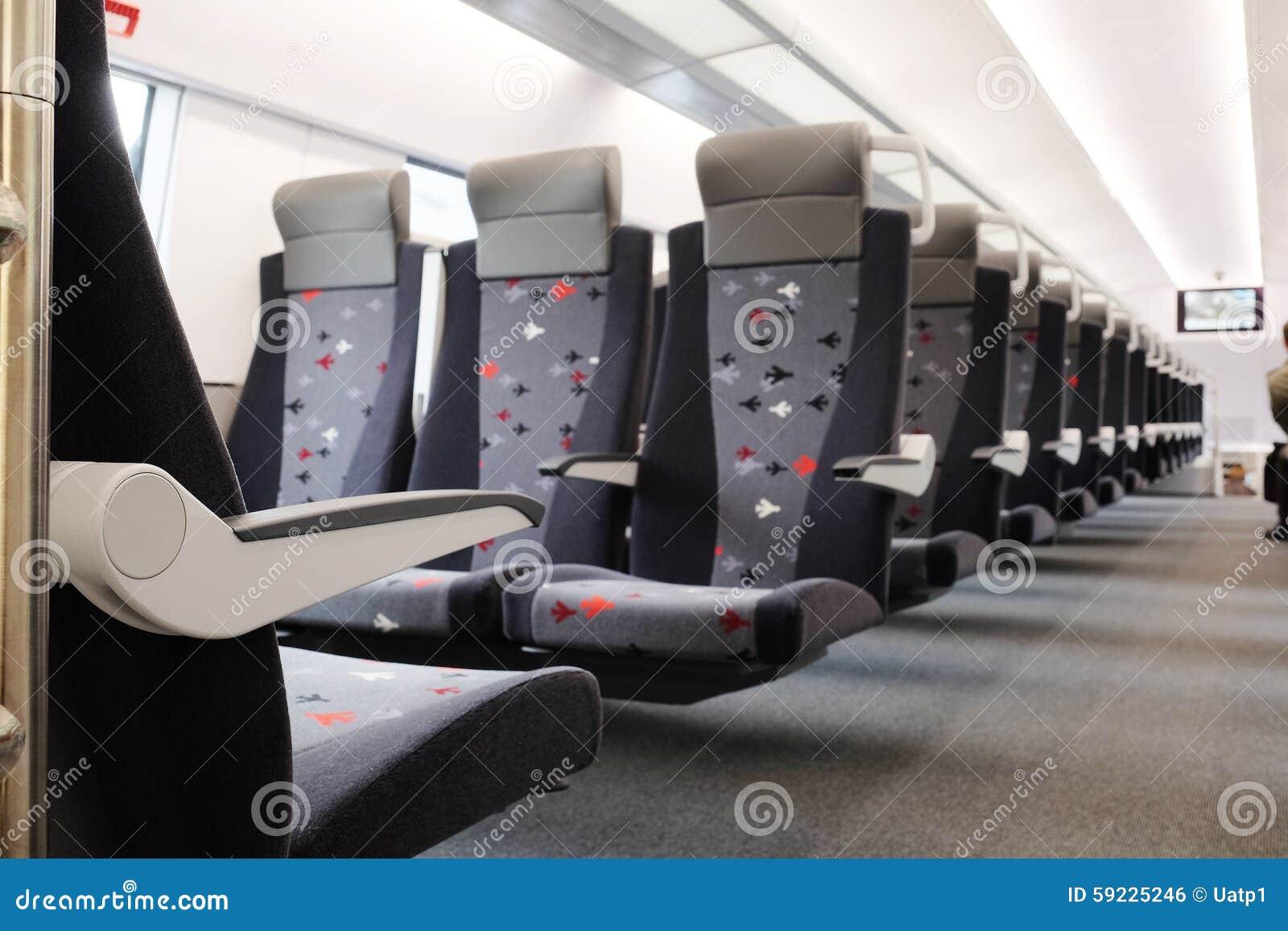Download Coche de pasajero del tren foto de archivo. Imagen de asiento - 59225246