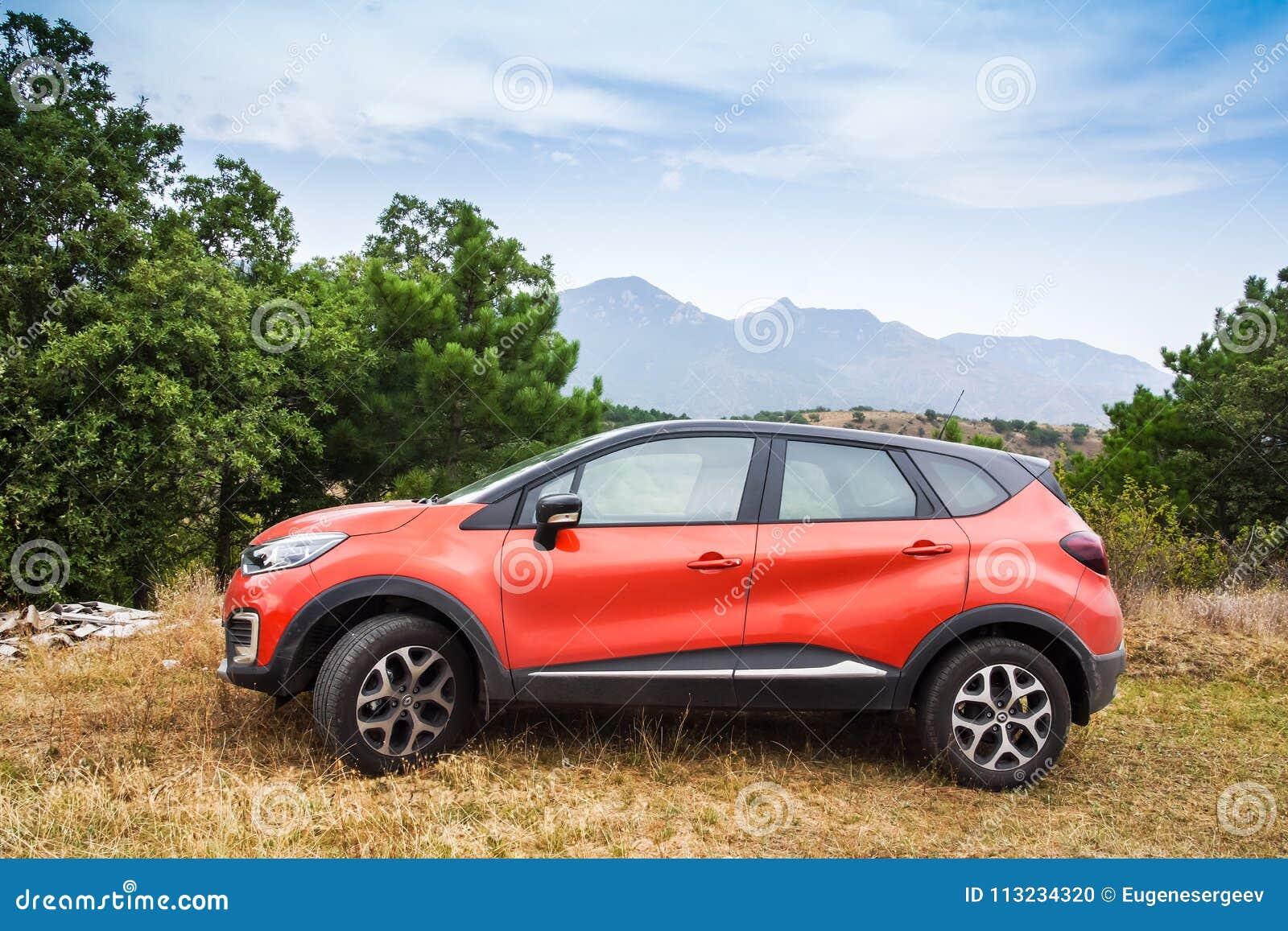 Coche de Renault Captur de la cruce del Subcompact