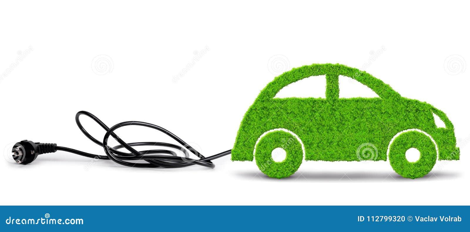 Coche verde del eco con el enchufe eléctrico en el fondo blanco