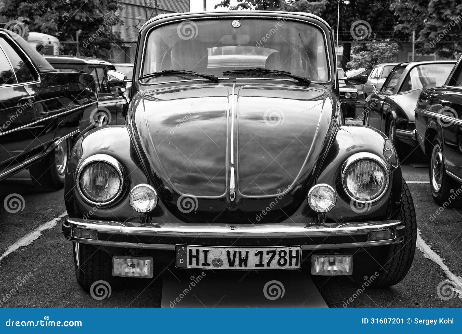 Coche Volkswagen Beetle (blanco Y Negro) Foto editorial - Imagen