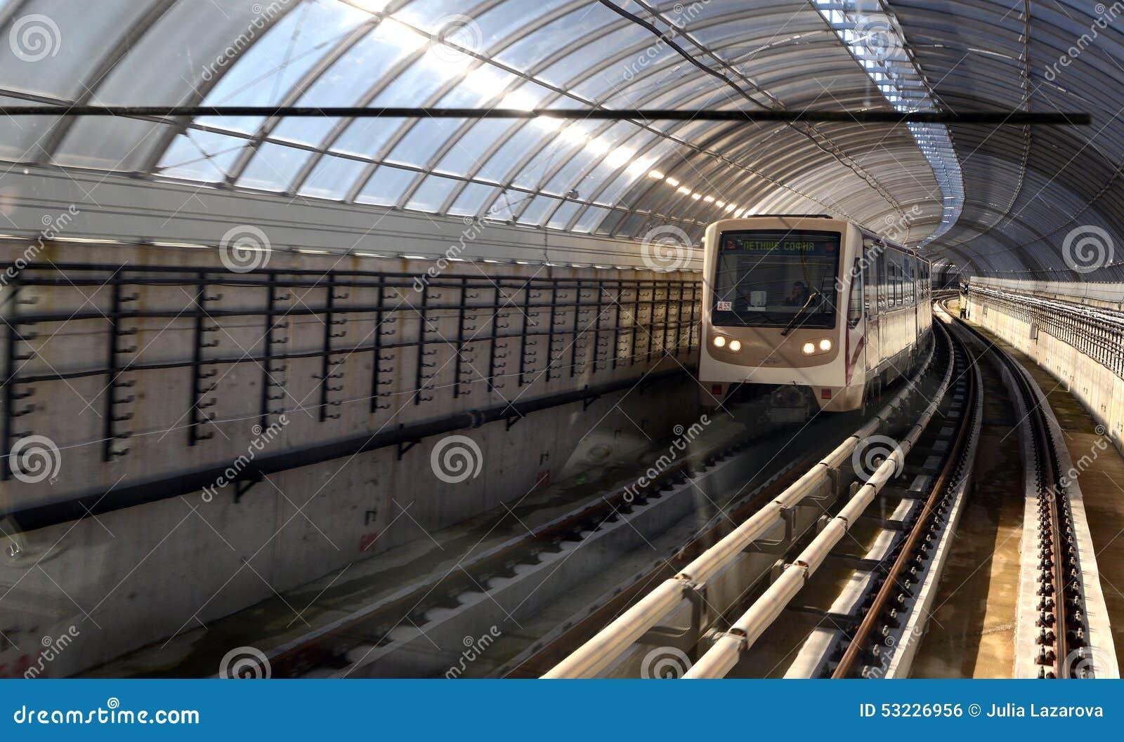 Coches de subterráneo en una estación en Sofía, Bulgaria el 2 de abril de 2015