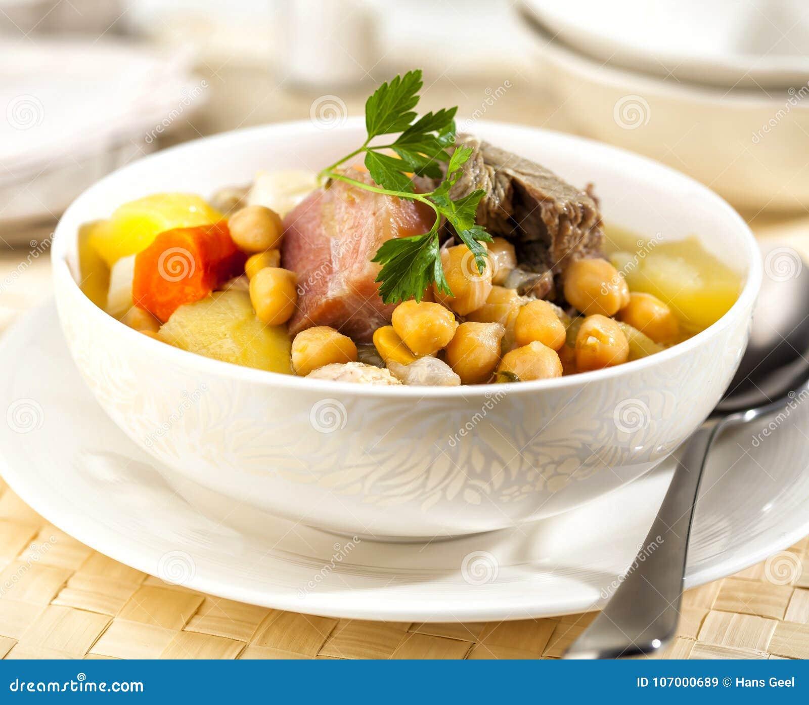 Cocido è uno stufato tradizionale dello Spagnolo