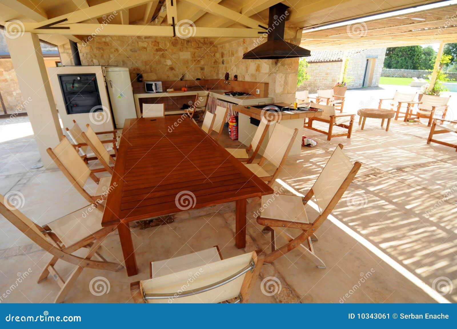 Cocina al aire libre imagen de archivo. Imagen de terraza - 40579935