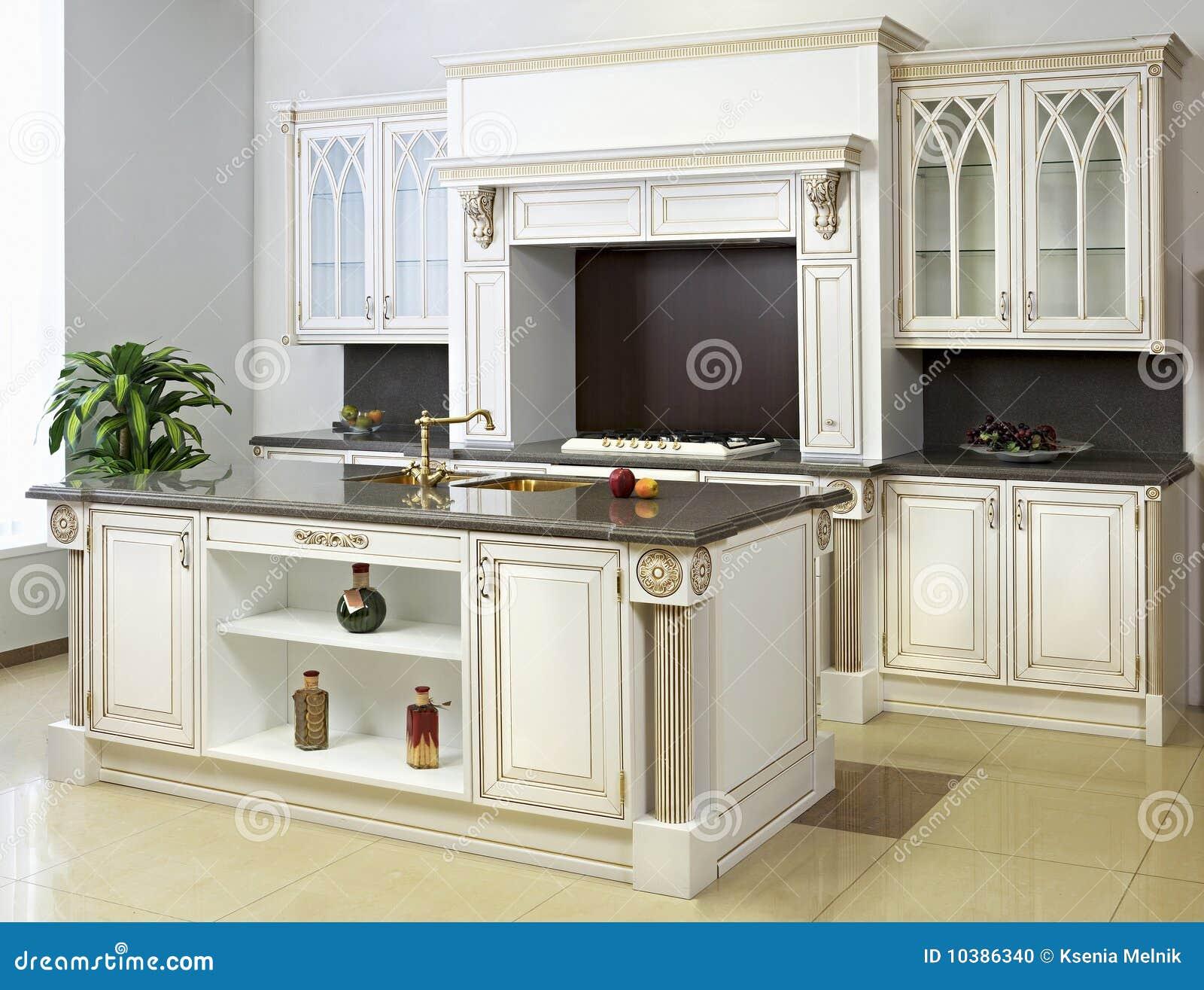 Cocina blanca con la isla foto de archivo imagen de for Cocinas blancas con isla