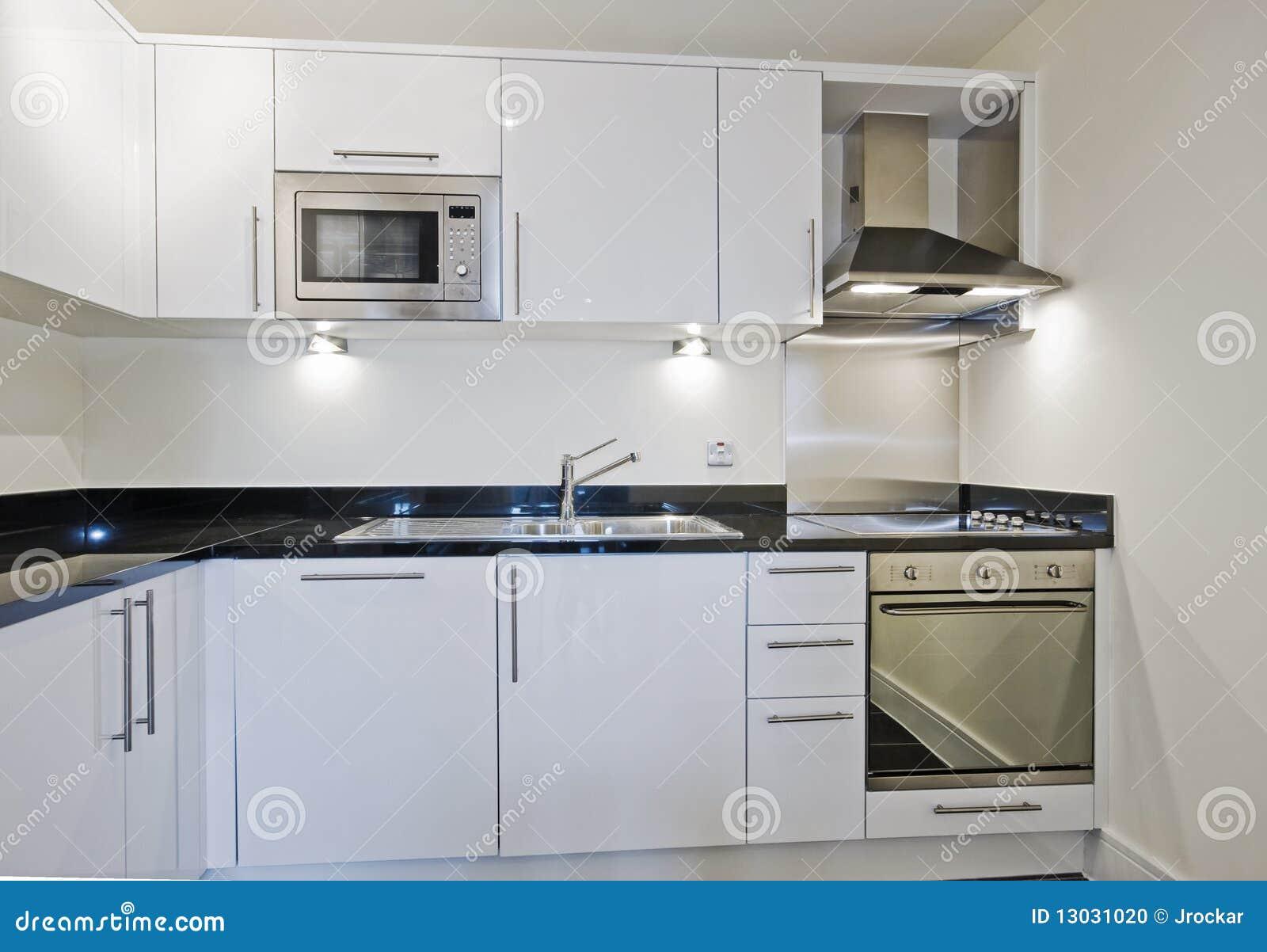 Cocina blanca moderna foto de archivo imagen de hood 13031020 - Cocina blanca moderna ...