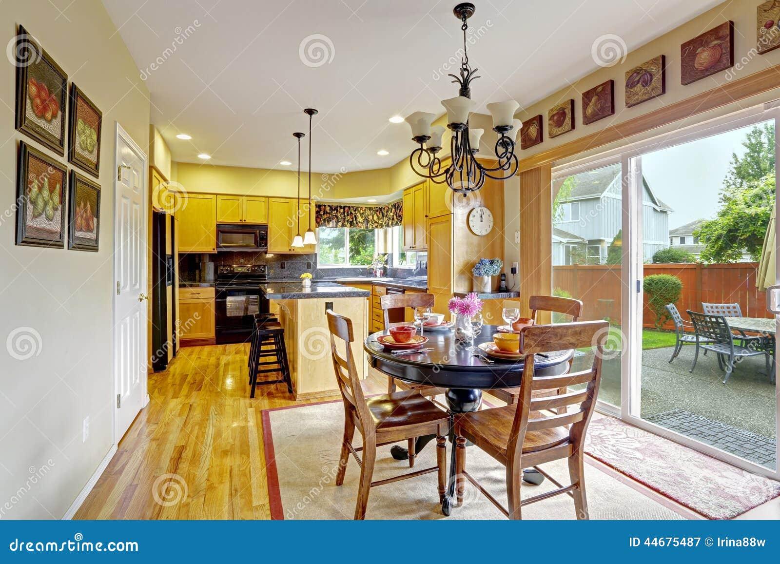 Cocinas con comedor decoraci n de interiores y comedor - Comedor en la cocina ...