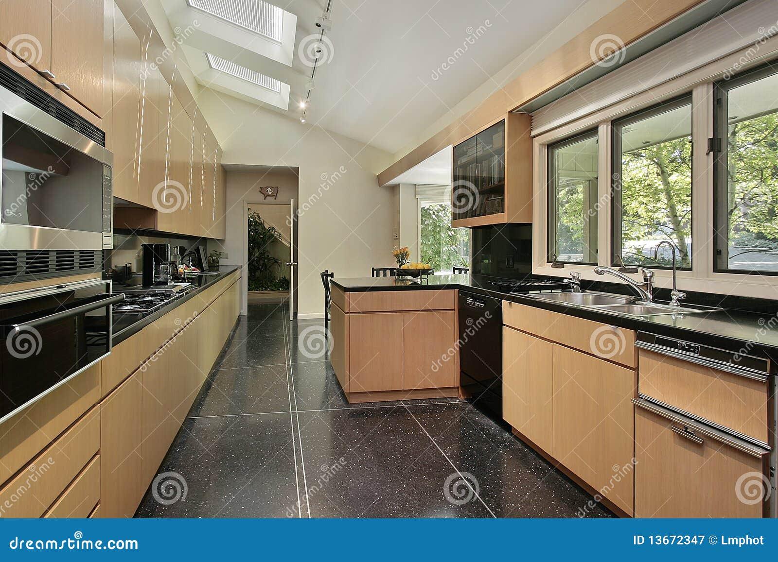 Cocina con el suelo manchado negro fotograf a de archivo - Cocina suelo negro ...