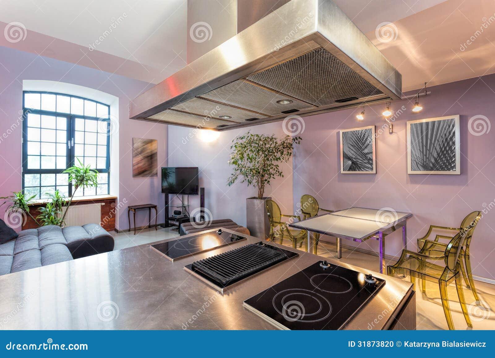 Cocina con la sala de estar foto de archivo imagen de for Sala de estar estancia cocina abierta