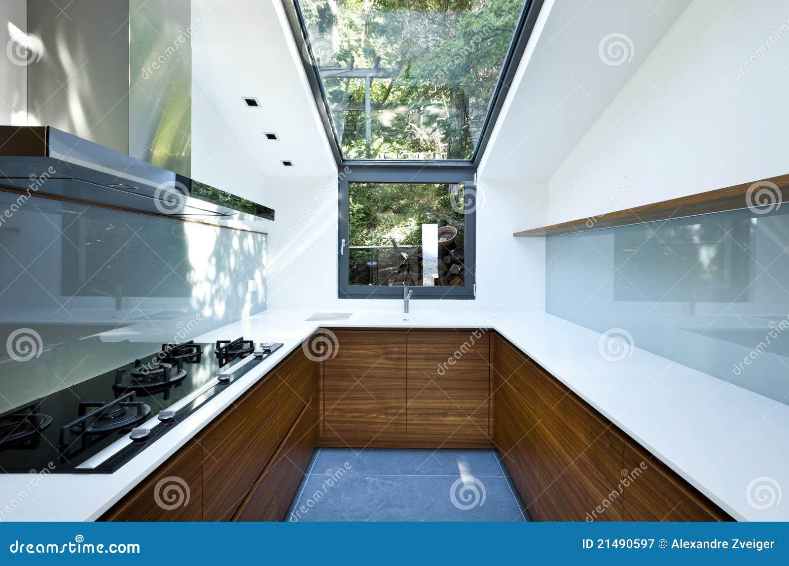 Cocina con la ventana panorámica