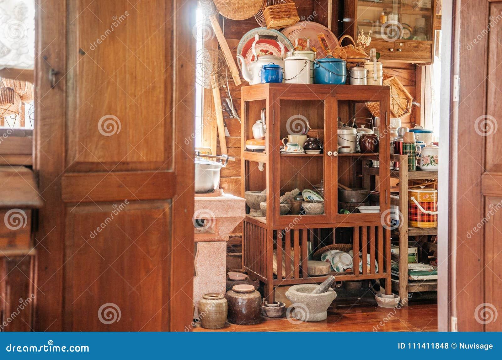 Cocina De Madera Rustica Del Vintage En Decorati Del Interior De
