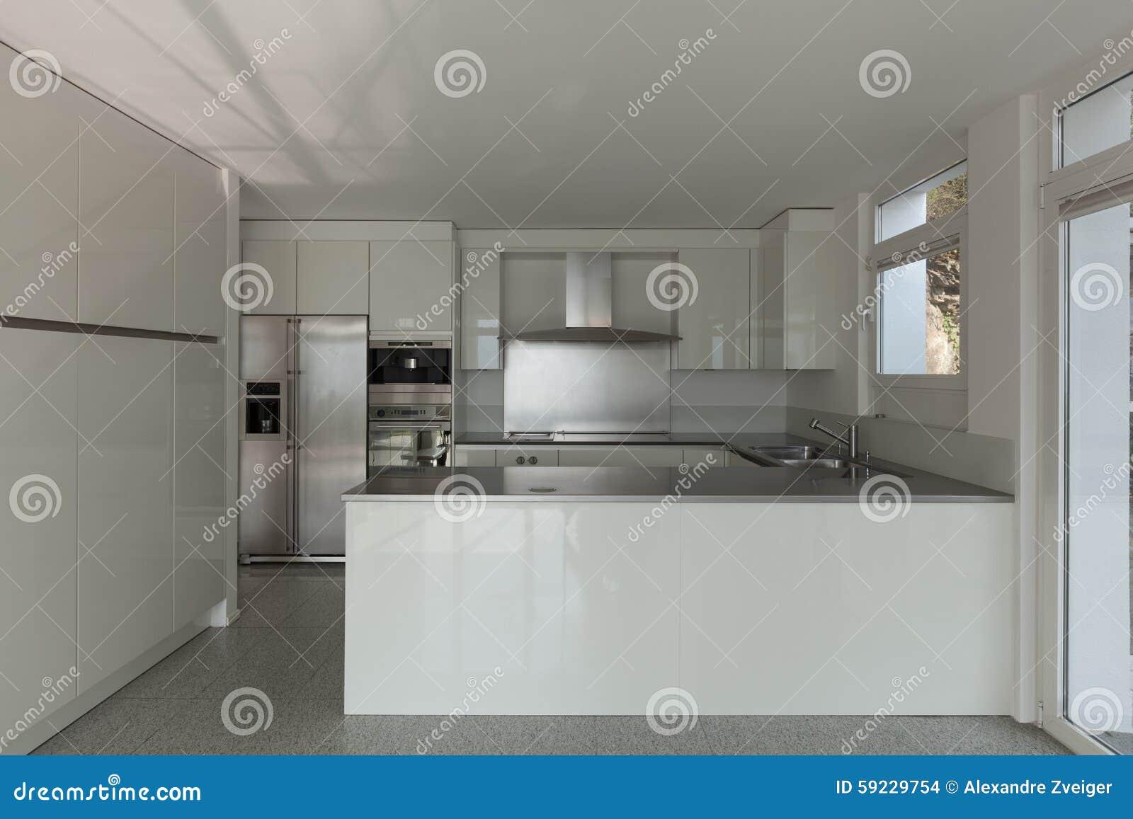 Download Cocina interior, blanca foto de archivo. Imagen de vacío - 59229754