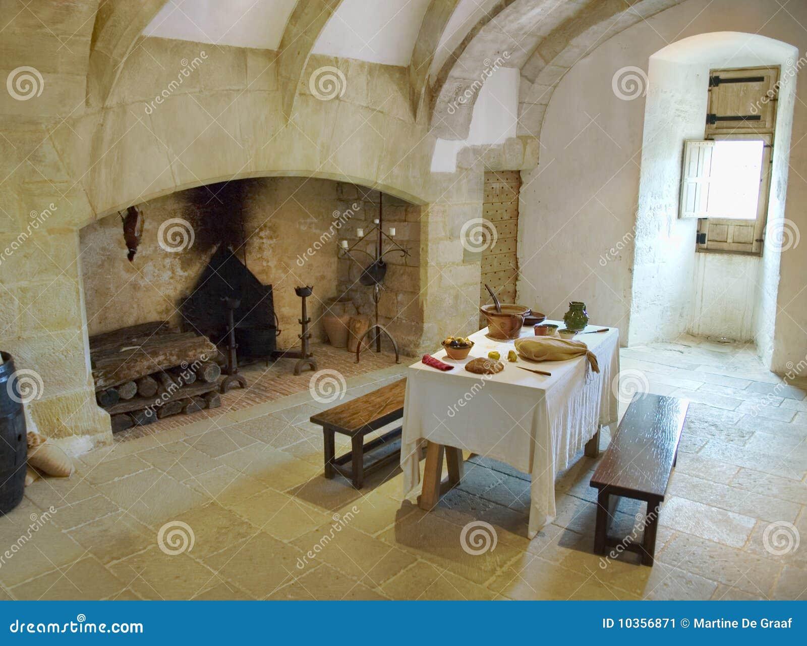 Cocina medieval del castillo imagen de archivo imagen - Cocinas castillo ...