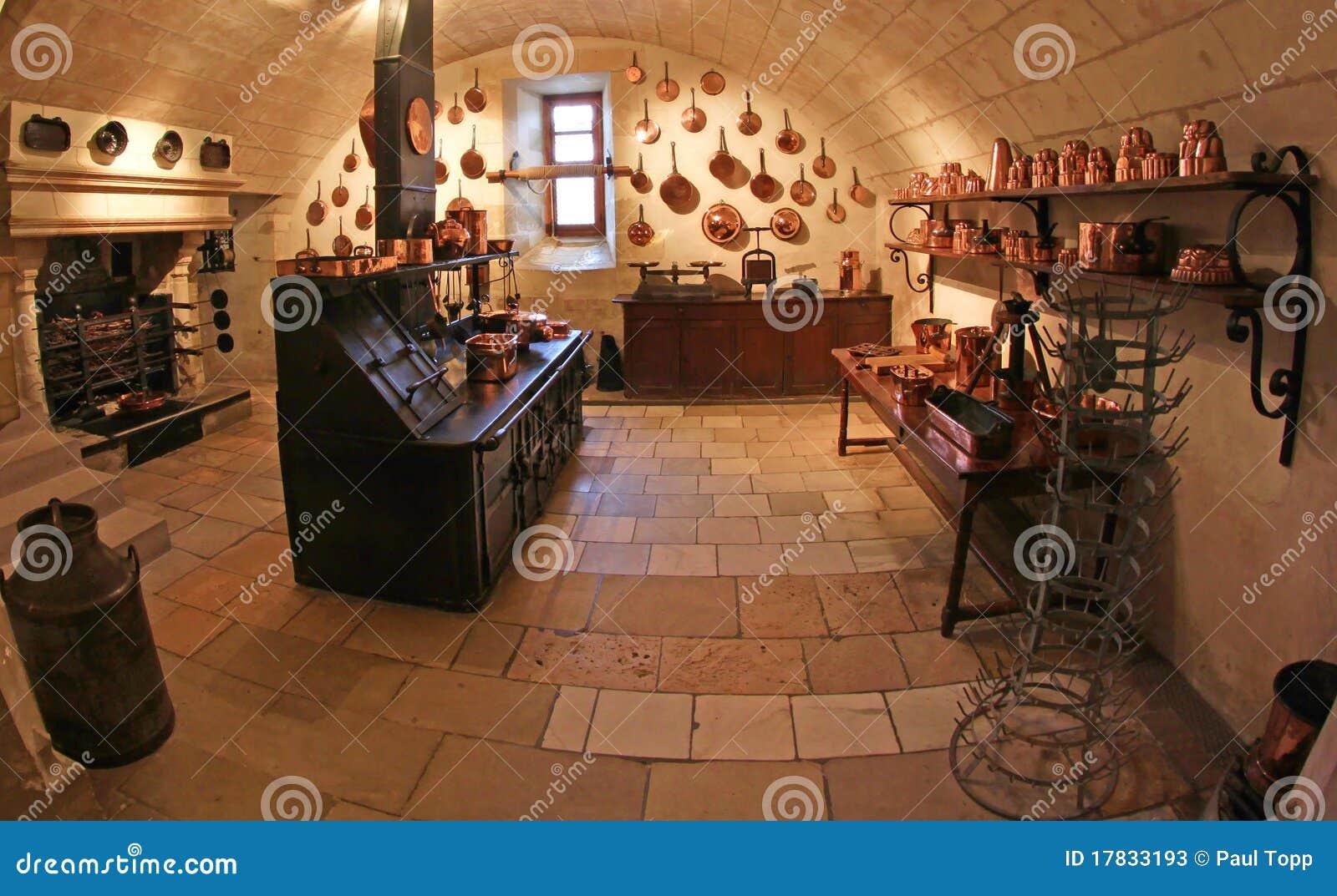 cocina medieval en el castillo de chenonceau en francia