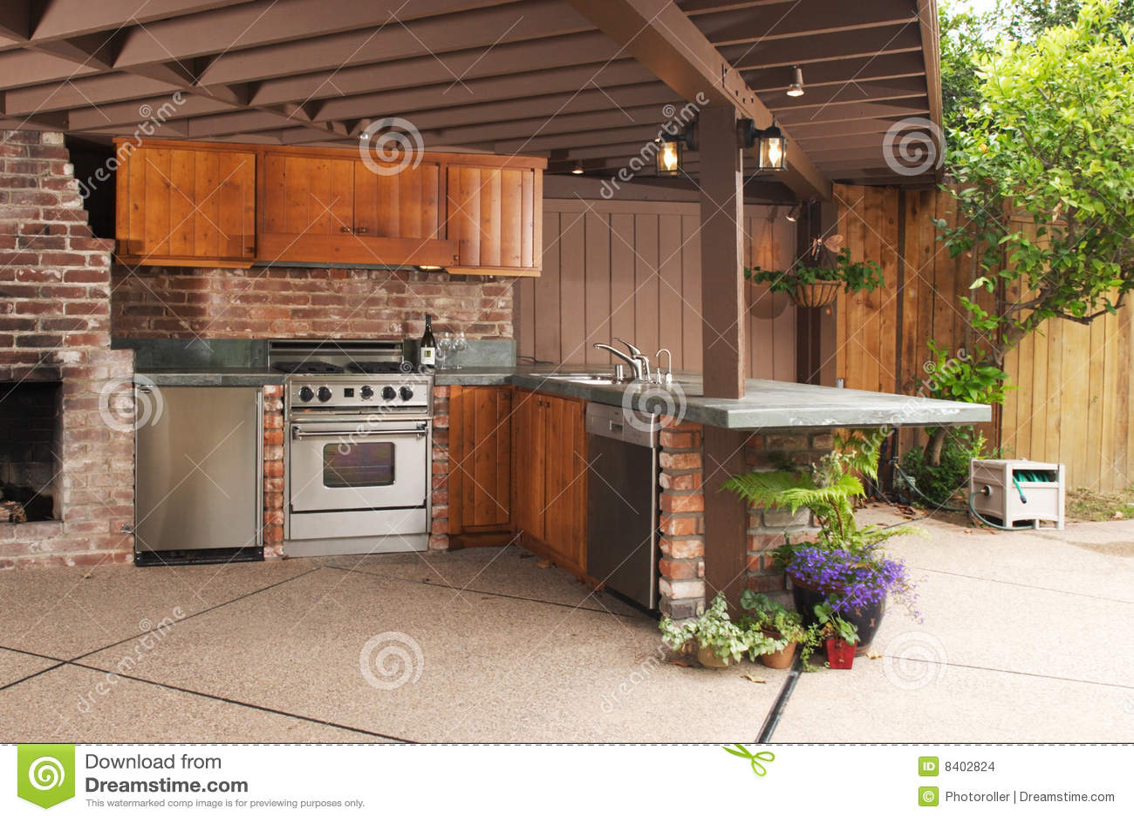 La cocina al aire libre imagen de archivo. Imagen de dining - 16374207
