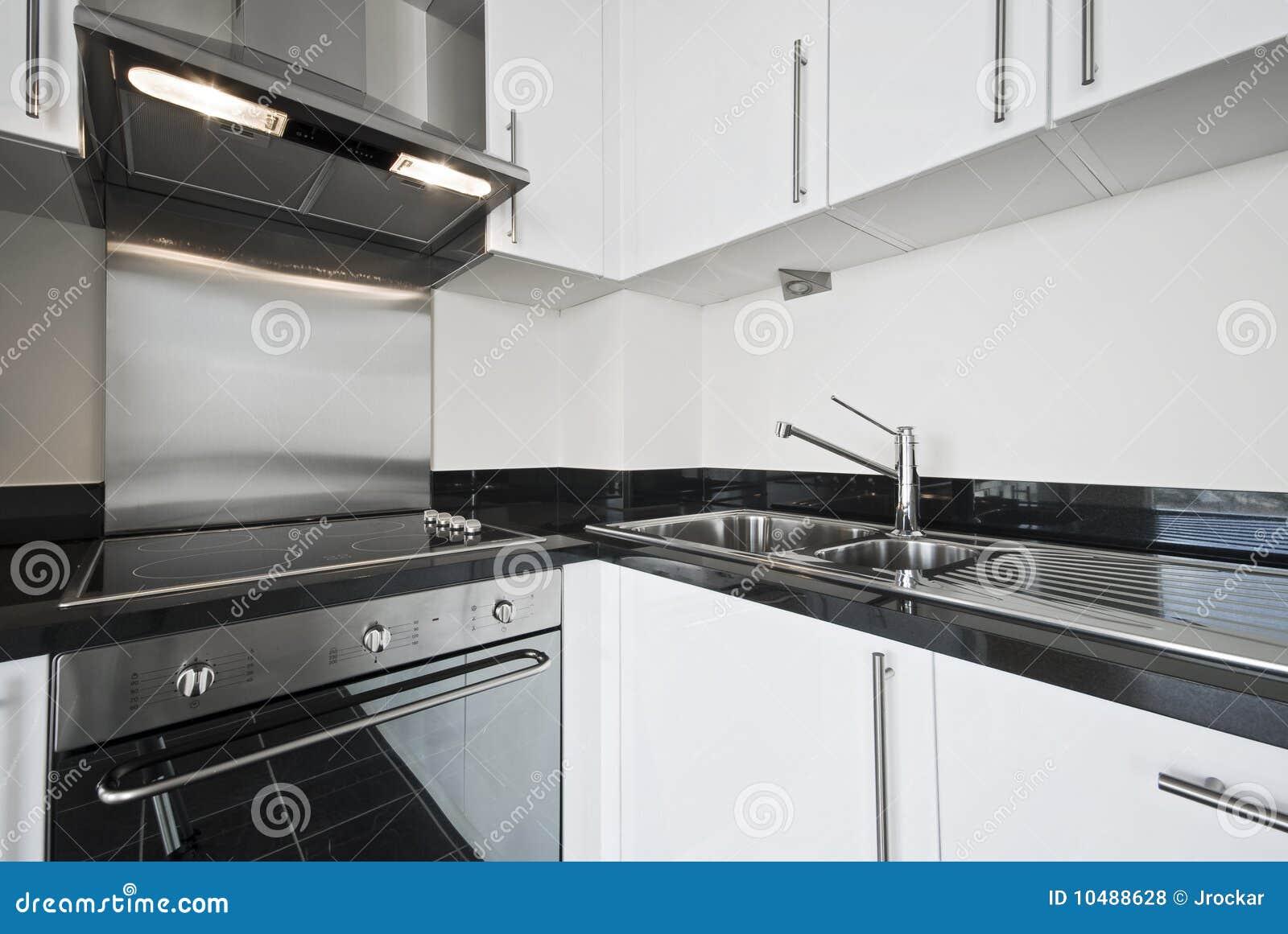 Cocina moderna blanca foto de archivo imagen de for Cocina moderna blanca 2016
